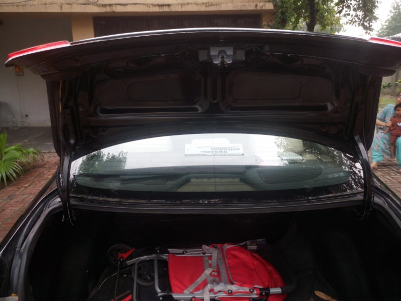 car toyota corolla gli 2012 lahore 27244