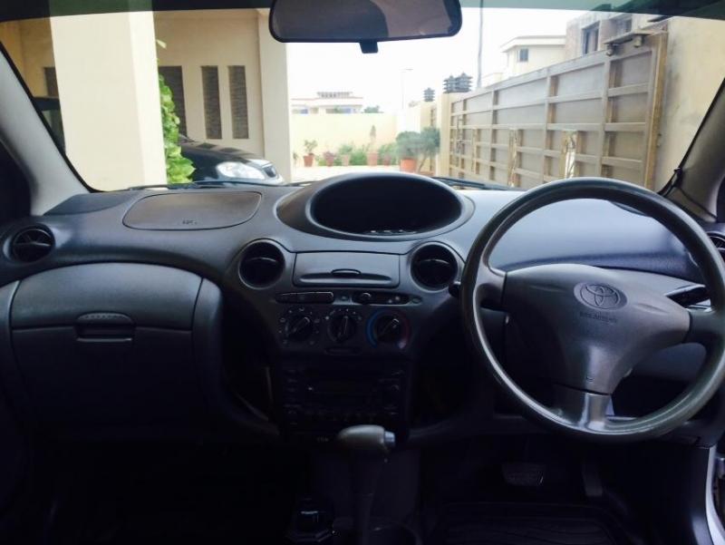 car toyota vitz 2000 islamabad rawalpindi 24335