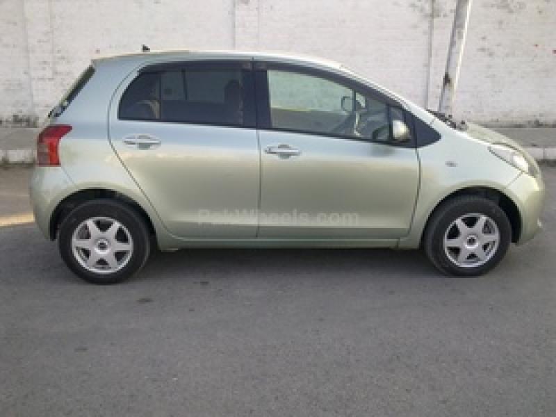 car toyota vitz 2008 karachi 23650