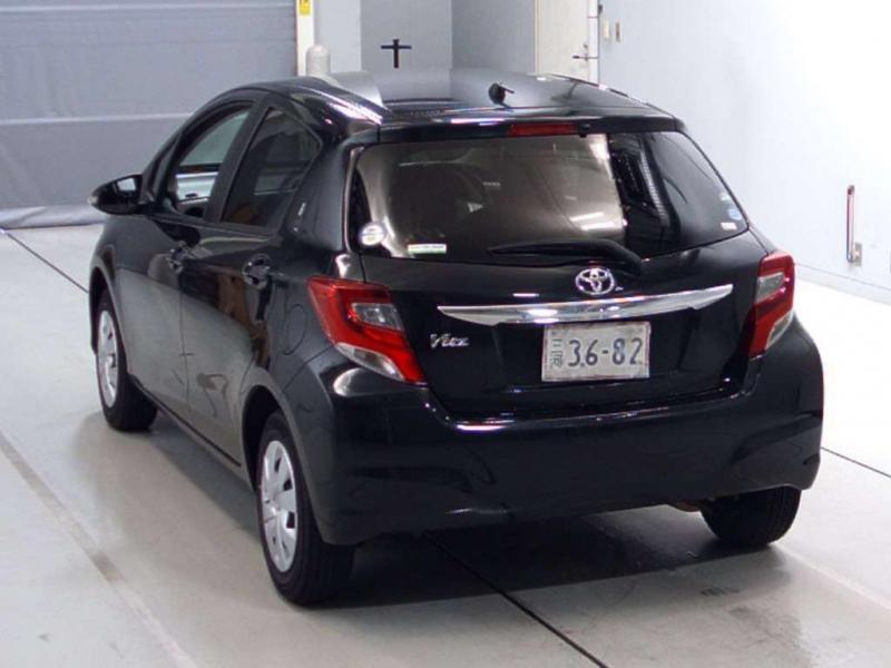 car toyota vitz 2014 karachi 26790