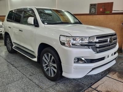 car toyota land cruiser 2015 lahore 27959