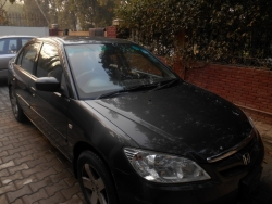 Car Honda Civic prosmetic 2005 Lahore