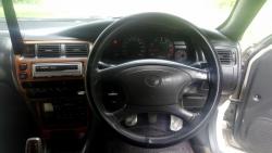 Car Toyota Corolla gli 1999 Hari pur