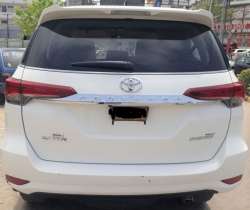 Car Toyota Fortuner 2017 Karachi