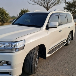 Car Toyota Land cruiser 2018 Lahore