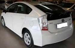 Car Toyota Pirus 2010 Lahore