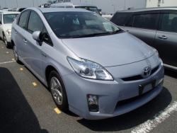 Car Toyota Pirus 2011 Sahiwaal