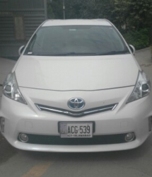 Car Toyota Pirus 2016 Sargodha