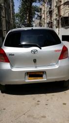 Car Toyota Vitz 2006 Karachi