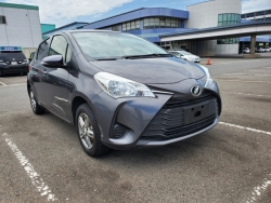 Car Toyota Vitz 2019 Lahore